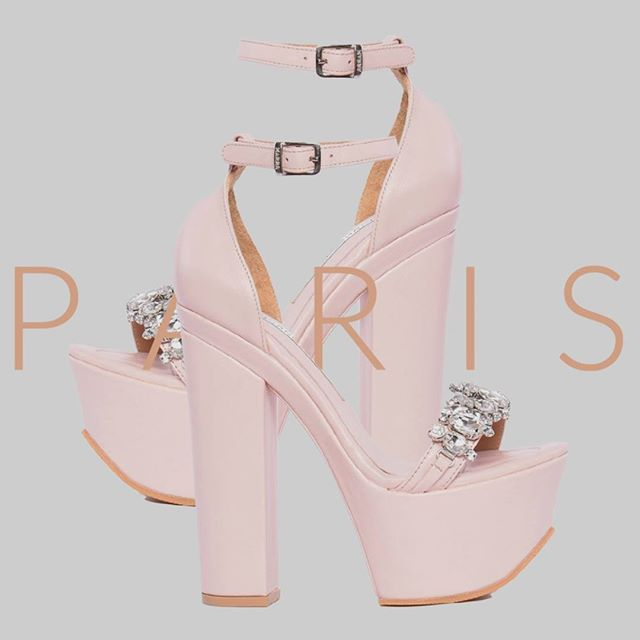 sandalias rosas con plataforma