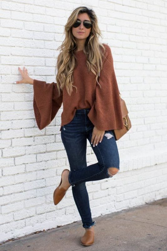 Zapato marron con sweater marron