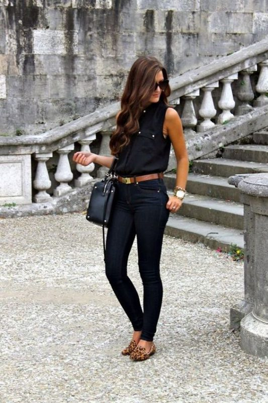 zapatos animal print leopardo con outfit negro