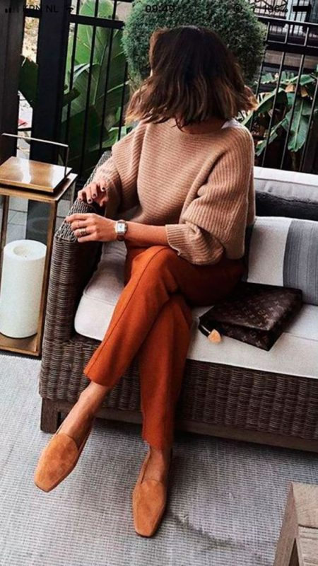 zapatos marrones para mujer con tonos tierra
