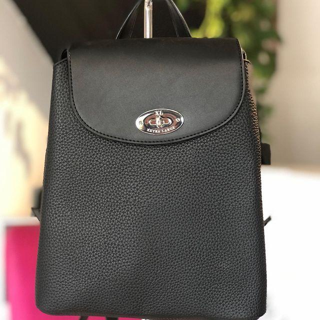 mochila moderna negra XL extra large invierno 2021