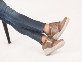Zapatillas con taco chino invierno 2021 Cavatini mujer