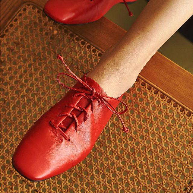 zapato abotinado rojo invierno 2021 Mishka