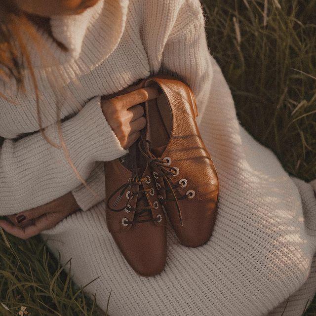 zapatos abotinados marrones invierno 2021 De Maria
