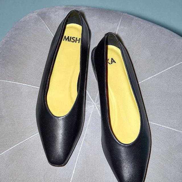 zapatos negros invierno 2021 Mishka
