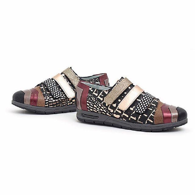 zapatos planos con abrojos invierno 2021 Luz Principe