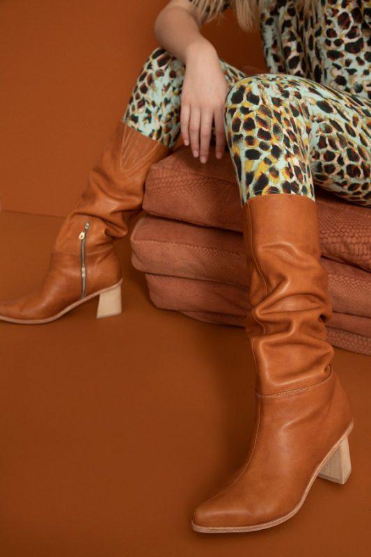 botas arrugadas marrones invierno 2021 Vitamina calzados