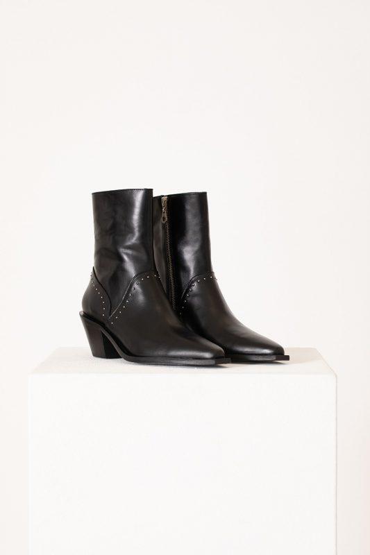 botas negras punta fina invierno 2021 Vitamina calzados