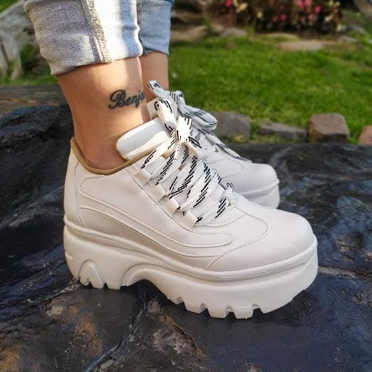 zapatillas blancas con plataformas invierno 2021 NEXT FASHION