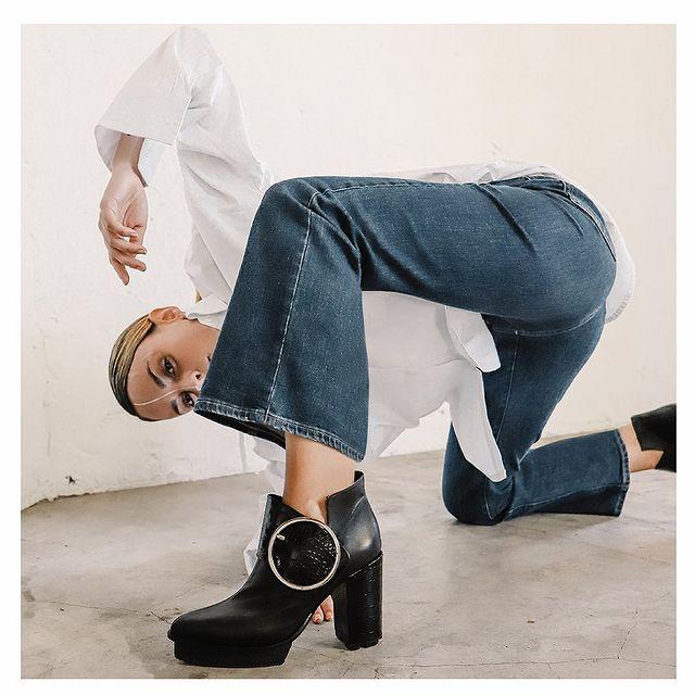 zapato negro con plataforma invierno 2021 Chwala