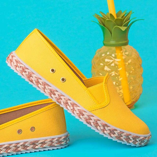 panchas amarillas verano 2022 Calzados Moleca