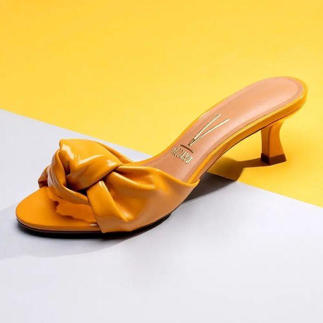 sandalias amarillas verano 2022 Vizzano