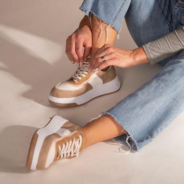 zapatillas blanca y beige verano 2022 Rocas Calzados