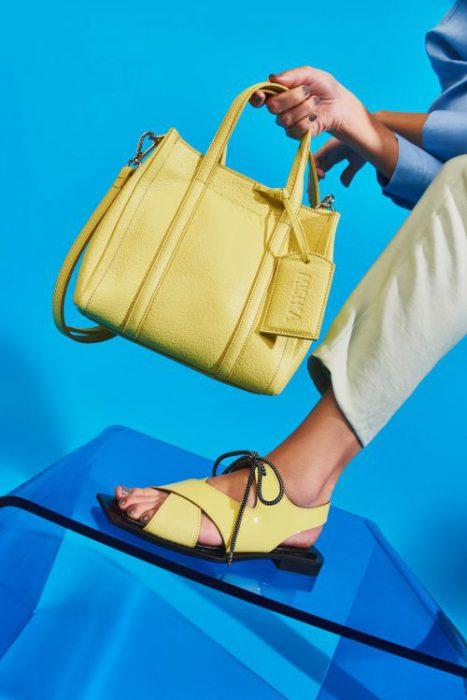 sandalias amarillas planas para mujer verano 2022 Mishka