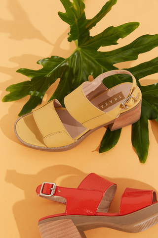 sandalias amarillas verano 2022 Calzados Traza