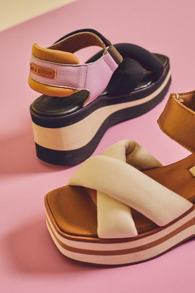 sandalias con base alta y punta cuadrada verano 2022 Justa Osadia