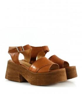 sandalias marrones base alta madera verano 2022 Calzados batistella