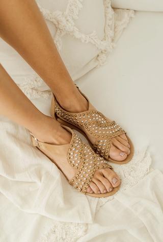 sandalias planas con tachas verano 2022 LOVIU SHOES