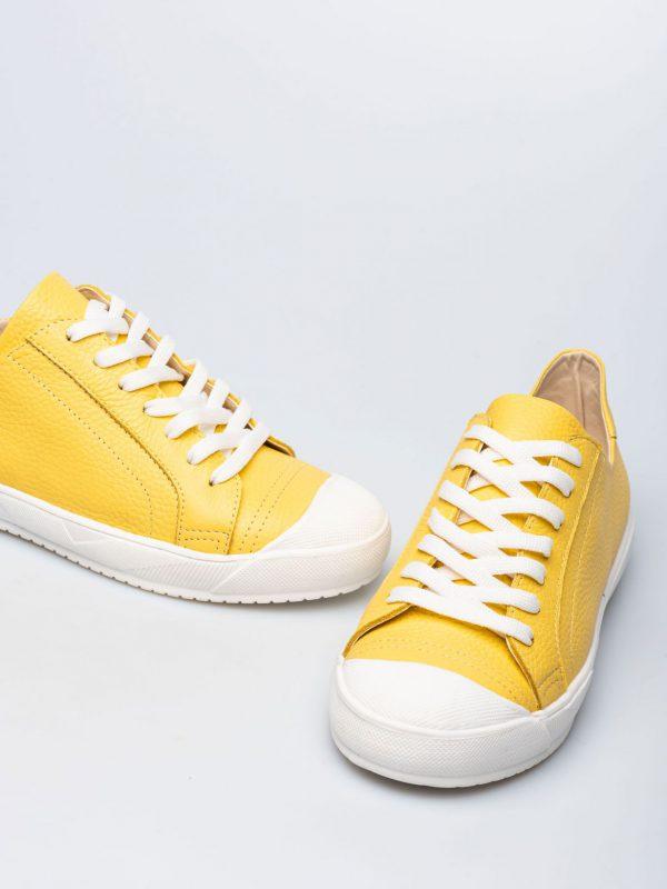 zapatillas amarillas verano 2022 Prune