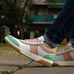 zapatillas blanca y verde aqua primavera verano 2022 Bettona