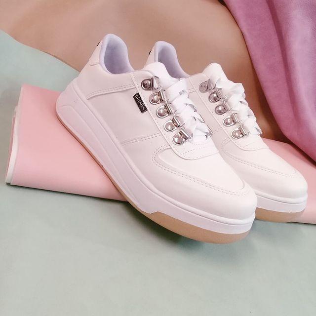 zapatillas blancas primavera verano 2022 Nazaria