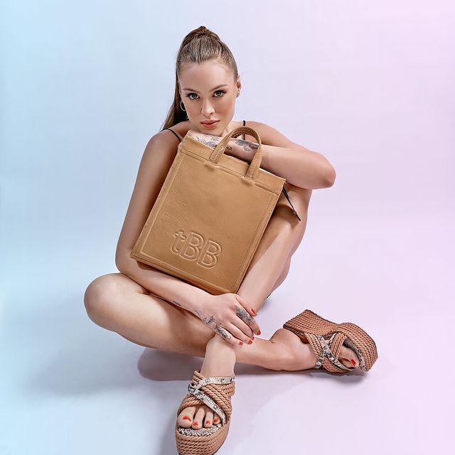 The Bag Belt sandalia y bolso marron verano 2022