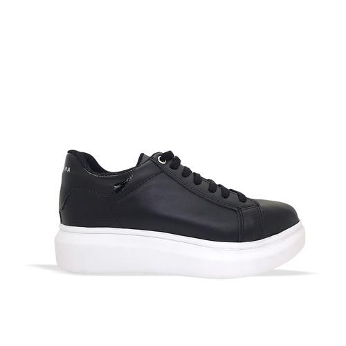 Zapatillas negra y blanca verano 2022 Luna chiara