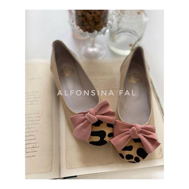 Zapattitos rosa y animal print verano 2022 Alfonsina Fal