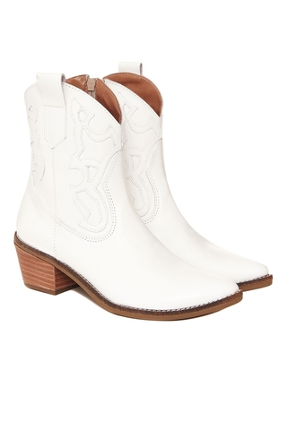 botas texanas blancas verano 2022 Via Uno