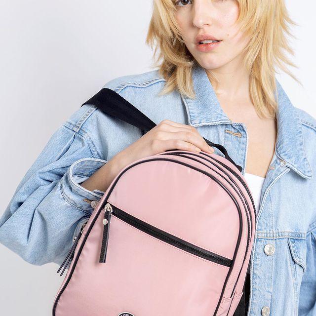 mochila rosada verano 2022 Lazaro