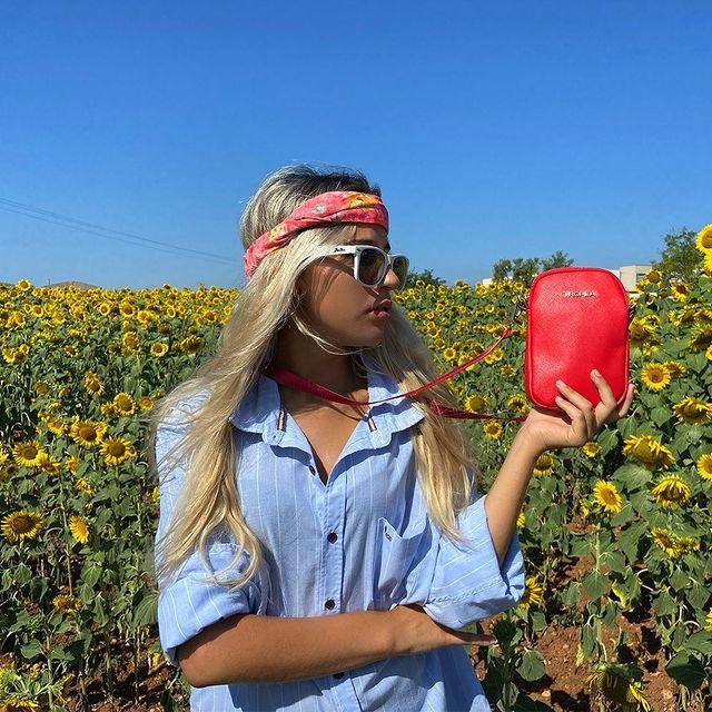 portacelular bandolera rojo verano 2022 Tropea
