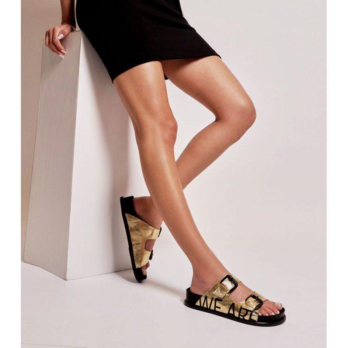 sandalais planas doradas verano 2022 Ricky Sarkany