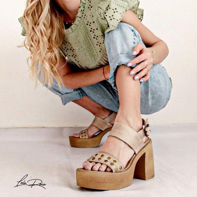 sandalias casuales taco alto verano 2022 Lola roca