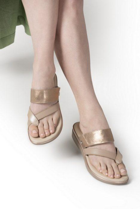 sandalias doradas para senora verano 2022 Calzados Cavatini