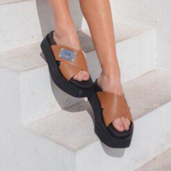 sandalias marrones base negra verano 2022 Chiarini