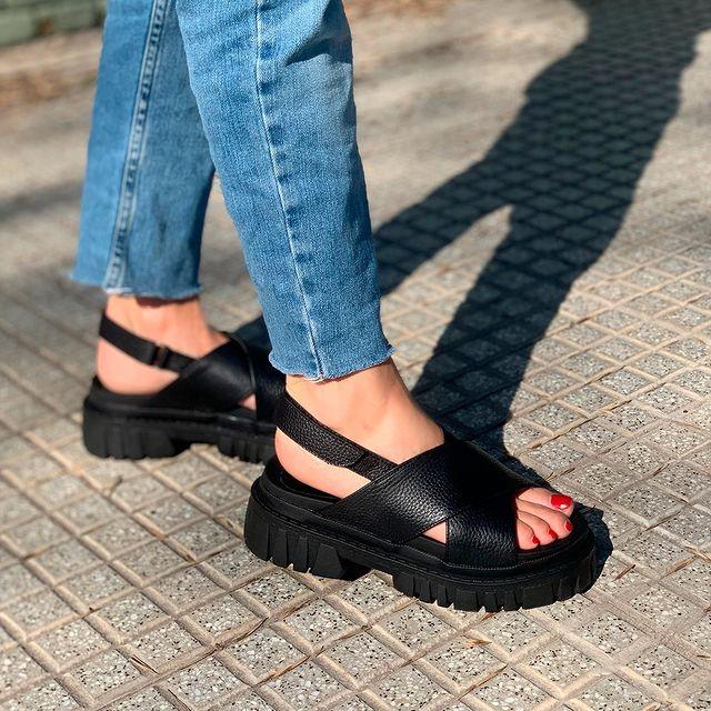sandalias negras verano 2022 Sibyl Vane