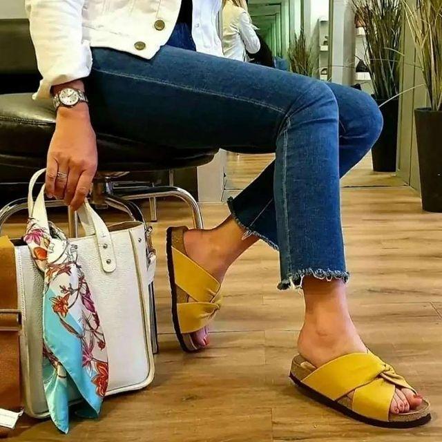 sandalias planas amarillas verano 2022 Oggi Calzados