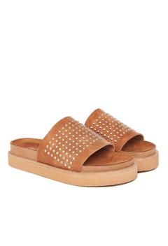 sandalias planas marrones verano 2022 Via Uno