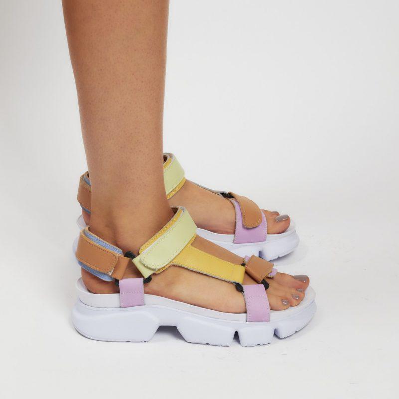 sandalias urbanas tonos pasteles verano 2022 Natacha