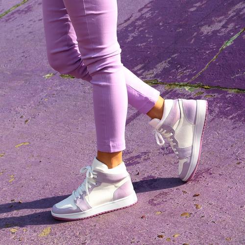 zapatillas blancas y lila verano 2022 Fragola calzados