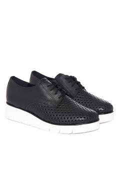 zapatos calados negros verano 2022 Via Uno