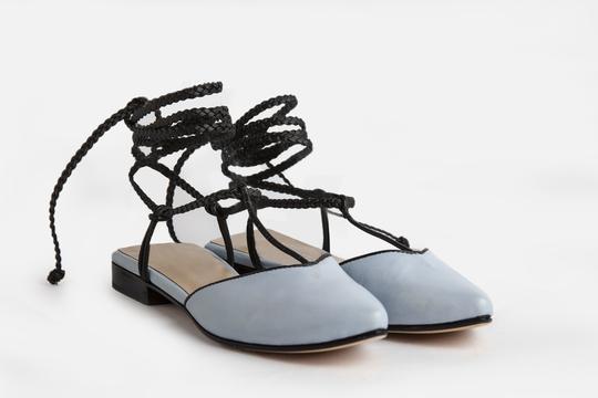 zapatos celeste punta redonda verano 2022 Ferroni