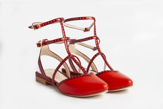 zapatos rojos planos verano 2022 Ferroni