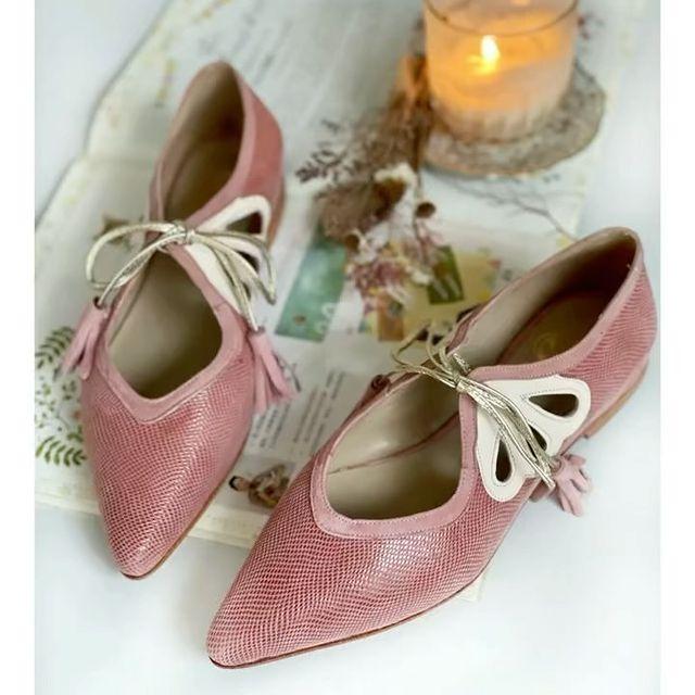 zapatos rosa palnos con punta verano 2022 Alfonsina Fal
