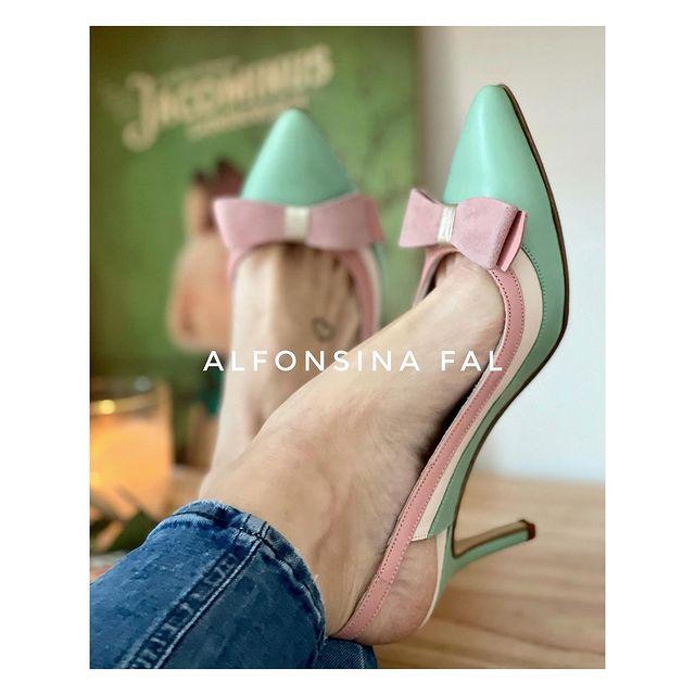 zapatos stilettos verde y rosa verano 2022 Alfonsina Fal